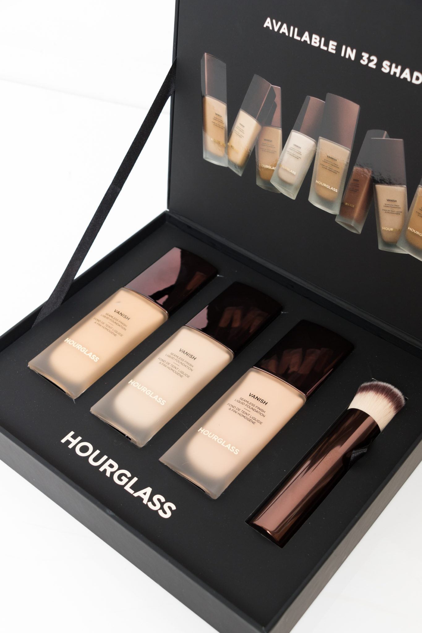 Hourglass Vanish Seamless Finish Liquid Foundation | StolenInspiration.com